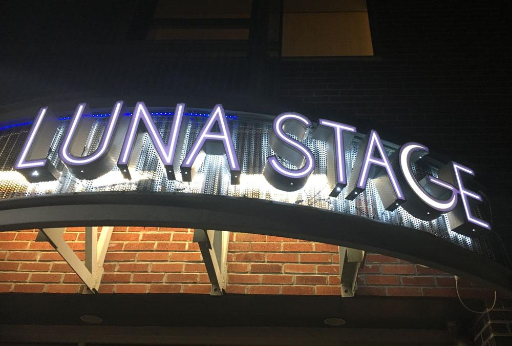 Luna Stage Halo
